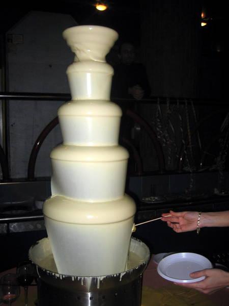 Водопад из белого шоколада