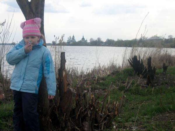 У озера Неро
