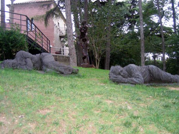 Испанская деревня - памятник бомжам:)